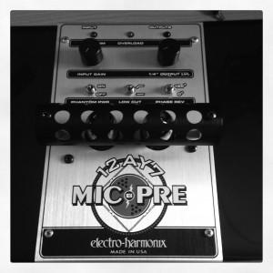 Electro-Harmonix 12AY7 Tube Microphone Preamp